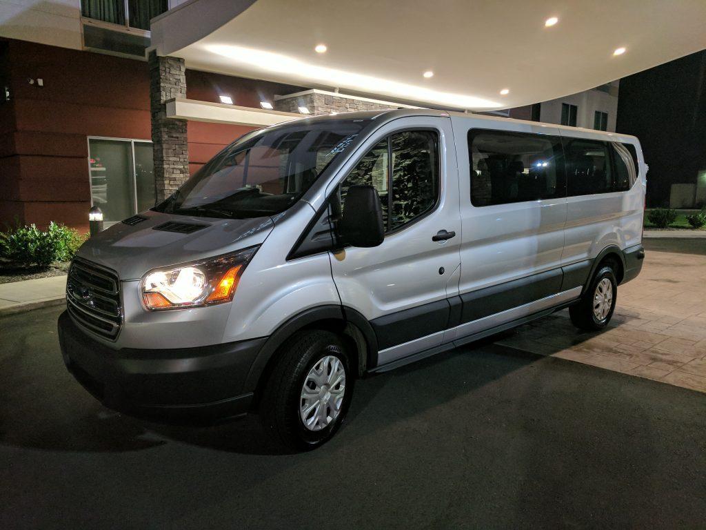 Ford-15-Passenger-Van-2